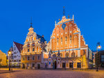 House_of_Blackheads_at_Dusk_3,_Riga,_Latvia_-_Diliff