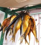 掛在門外的燻魚