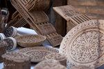 各式各樣的木刻工藝品