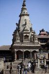 Krishna Temple -有21個金造小尖塔的印度廟,在尖塔下第一層放置了Krishna在神龕內,第二層放了Shiva,而第三層是Lokeshwor。