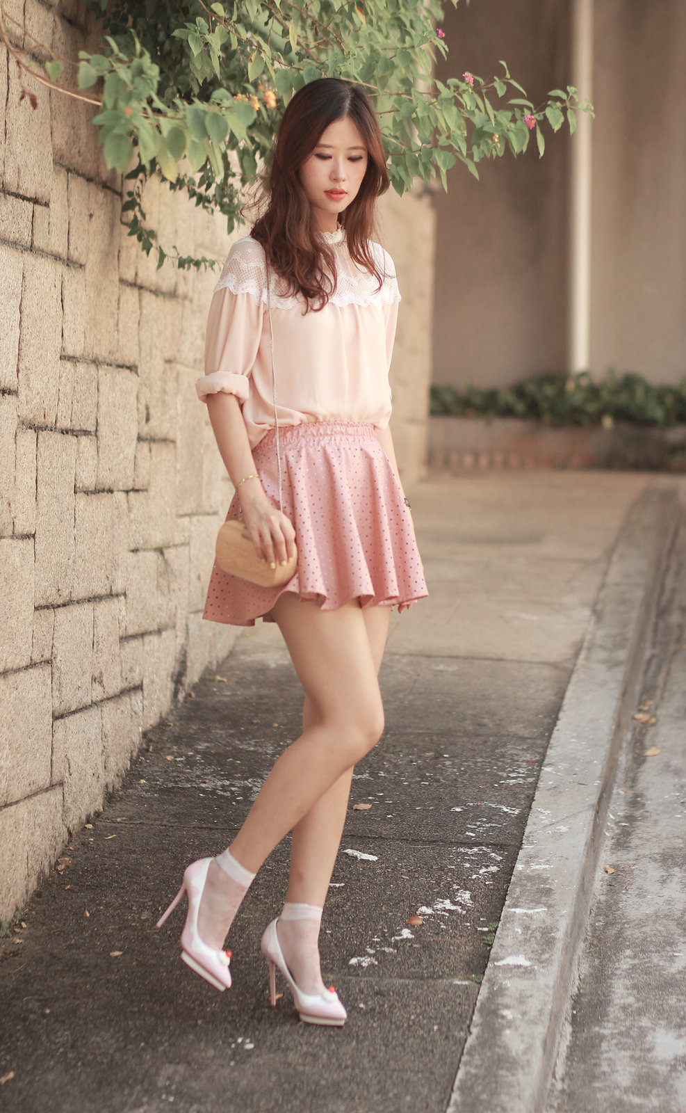 Blouse,pink mini skirt and pink shoes