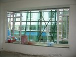 50料焗白鋁窗,配10mm強化光片玻璃
