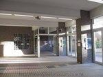 學生操場玻璃趟摺門 (28)