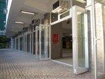 學生操場玻璃趟摺門 (9)