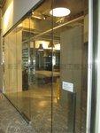 觀塘天星中心強化玻璃門間隔工程 (10)