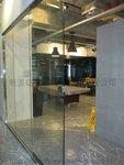 觀塘天星中心強化玻璃門間隔工程 (4)