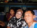 坐火車時新疆大媽不停請我們吃東西,新疆人唔係好鍾意漢人,所以我地先話係香港人。 DSCN2781