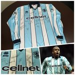 Middlsebrough 1998-99 Away Match Worn Shirt with players signed