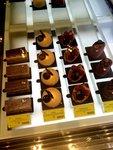 Display櫃內的甜點