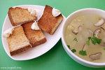 想試Harmony Cafe這間「有機素菜Cafe」很久了,今天終於可以和同事們來大快朵頤。這裡講求健康烹調及選用天然有機食材(連調味料也要用上海鹽、原糖和初壓橄欖油),全部菜式不含味精,最適合注重健康的銅鑼灣OL們來午膳 ^__^﹗午餐附送多士、餐湯和餐飲。