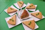 Homemade香蕉合桃蛋糕(HK$25)和檸檬豆腐芝士餅(HK$30)﹕兩款蛋糕都是無蛋無奶的,香蕉合桃烘得外層香脆,而檸檬豆腐芝士餅帶著層次分明的檸檬、豆腐和芝士味,非常好吃﹗想不到這裡的甜品也很不錯呢﹗