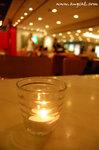 老實說,雖然這裡不是甚麼高級餐廳, 但環境倒是很不錯啊, 不但每張檯上均有一點燭光, 更一點也不嘈雜, 絕對不失禮呢﹗