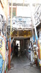 牛皮廠舊址, 各個角落都放了收集島上居民廢物,再注入藝術的作品 20200104-021