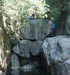 上溯青龍石澗一個玩野位, 其實左邊有山路上 DSC00180