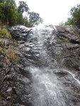 上溯北坑右支到此瀑, 點上哩, 原來瀑右有山路 DSCN3876