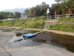 至水渠位, 走人工橋過水渠 DSCN5760