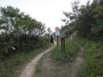 基本上釣魚翁郊遊徑時不時與越野單車徑打交叉 DSC04806
