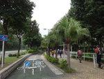 轉入裕東路, 左單車徑, 右行人路 DSC05999