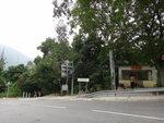 回望小路出口及石門甲路口的羅漢亭 DSC06019