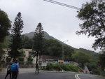 左邊是船灣郊野公園大美督管理站及遊客中心. 此路可接八仙嶺教育中心及上八仙嶺. DSC07483