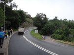 沿新娘潭路前行, 右邊路口通政府渡假屋 DSC07485