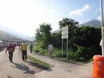 上接村路前行往石門甲, 右邊有小路可通石榴埔村 DSC08177