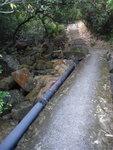水吟橋尾上石級, 橋下右邊是曹溪澗段, 過橋便開始北天門上源澗段, 上接北天門 DSC08201