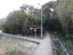 分岔位, 左路通沙頭及青年旅舍, 大隊直上斜路 DSC09513