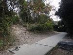 左邊浮沙碎石路可往蚺蛇坳及蚺蛇尖 DSC09518