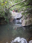 遙望己到小瀑頂的隊友 DSC02169