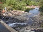 又一儲水池, 池後有水管 DSC02335