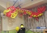 一班長者老友記合力製成氣球龍 唔知道下次佢地扭乜東東呢.