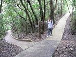 017:大松古道(左)、荔枝山徑(右)