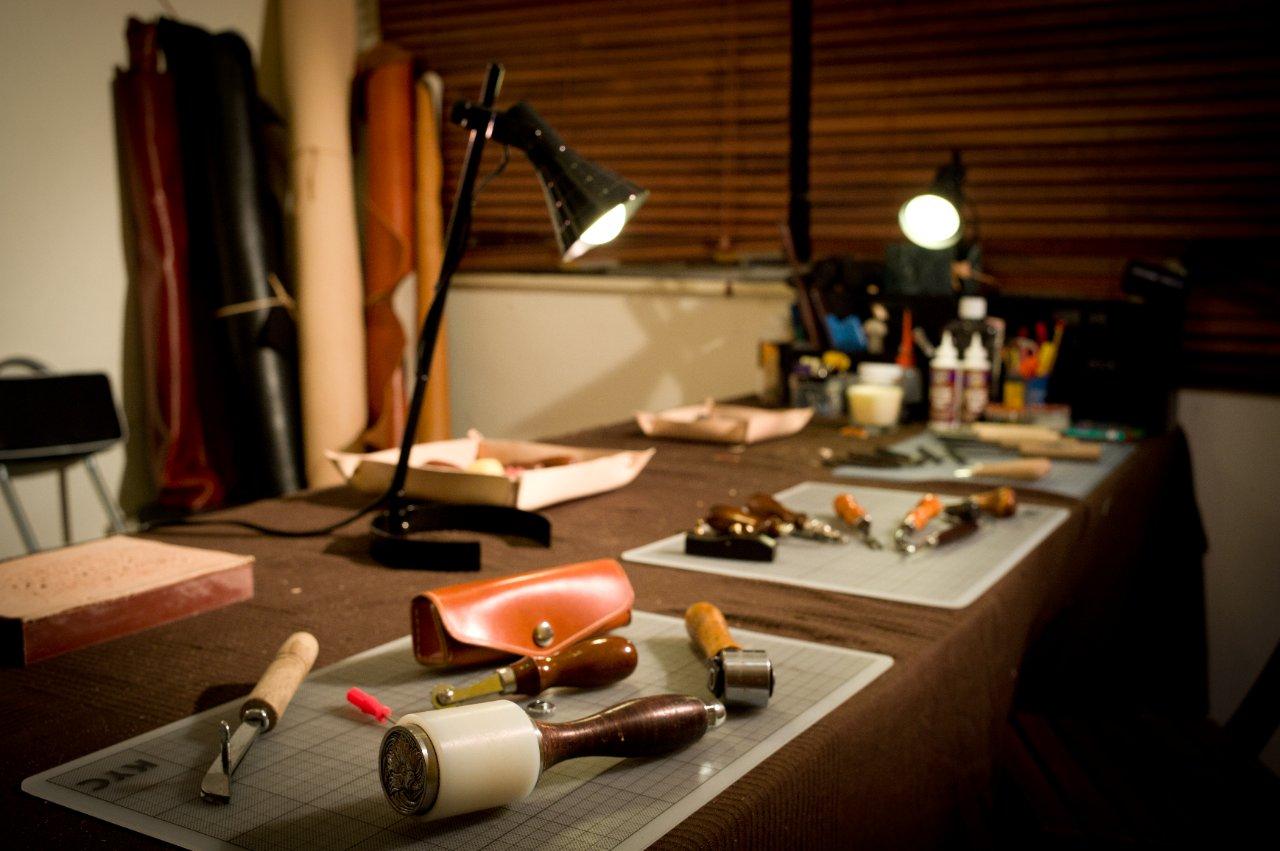 Slide Show for album :: Encore Leather Workshop