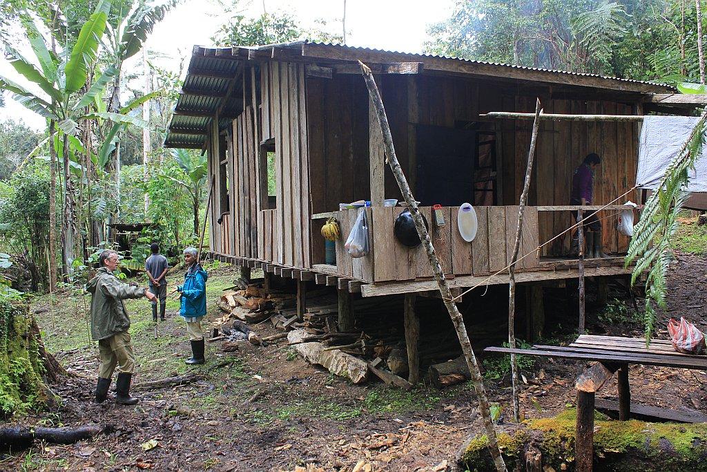林 中 小 屋