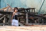 馬灣小妹妹 (一次在馬灣影相時這位小妹妹一直注視著當日的model,可能覺得大姐姐的吊帶背心比她好看吧!) IMG_5263r