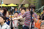 """Busy 分身不下"", Outside Kwan Tsing Theatre 葵青劇院外, 13/3/2004."