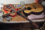 """Bed of guitars 與他同眠"", 23/6/2004."