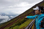 突破海拔 3,000米線,雨勢漸漸減弱,曙光初露