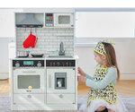 M138 - 木製韓國豪華聲光版白色大厨房 + 白色大雪櫃套裝<br>.<br>豪華加強版 - 有多角度聲音,有多角度燈光,有出冰位<br>.<br>門市售$1900<br>批發價$780 <br><br>(本月訂購 Free 厨具<br>.<br>