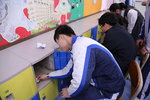 20150213-cleaning_classroom-17