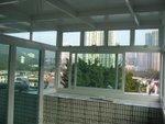 將軍澳村白色玻璃屋